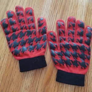 Red/Black Mittens.